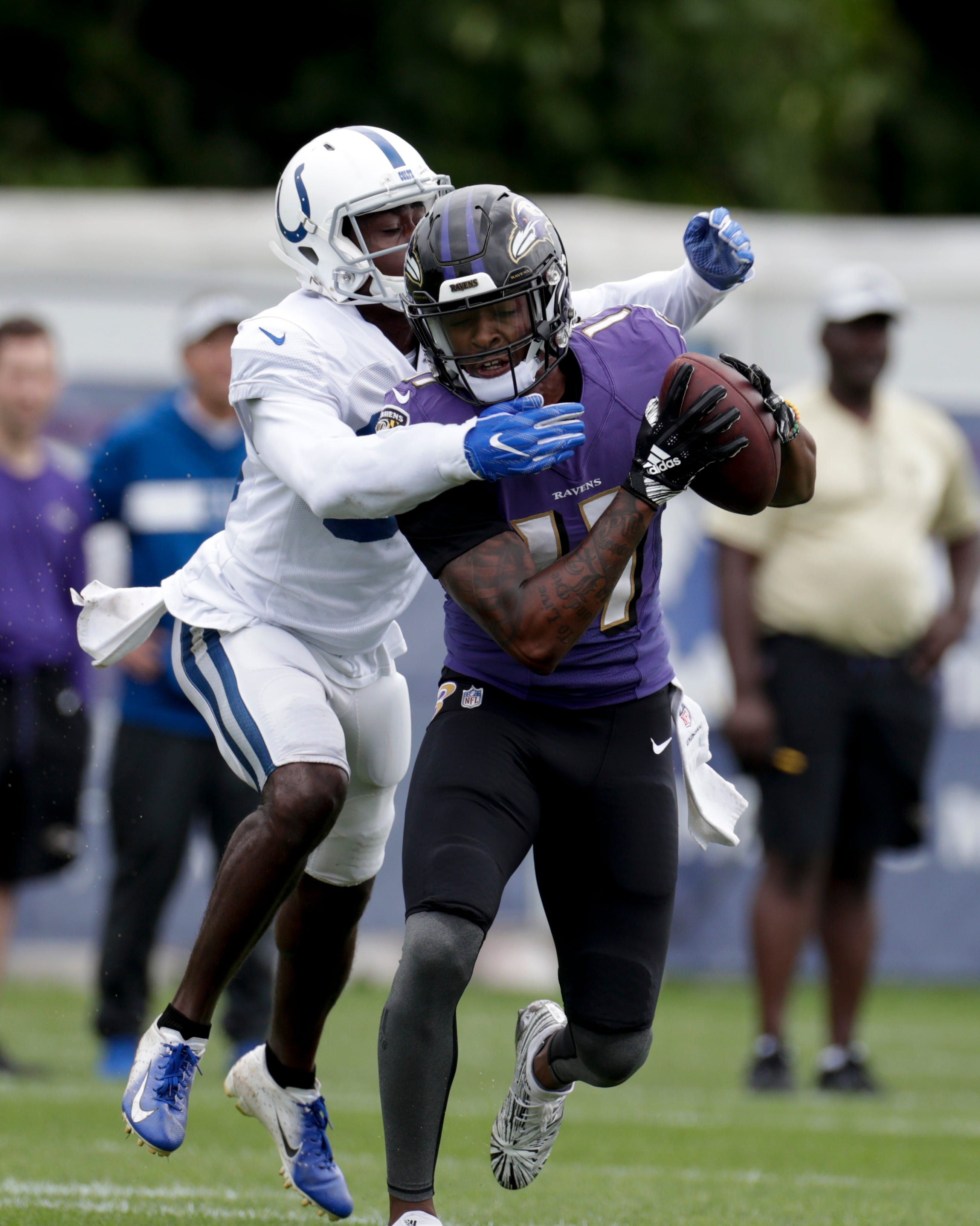 Multiple fights break out in Ravens-Colts joint practice