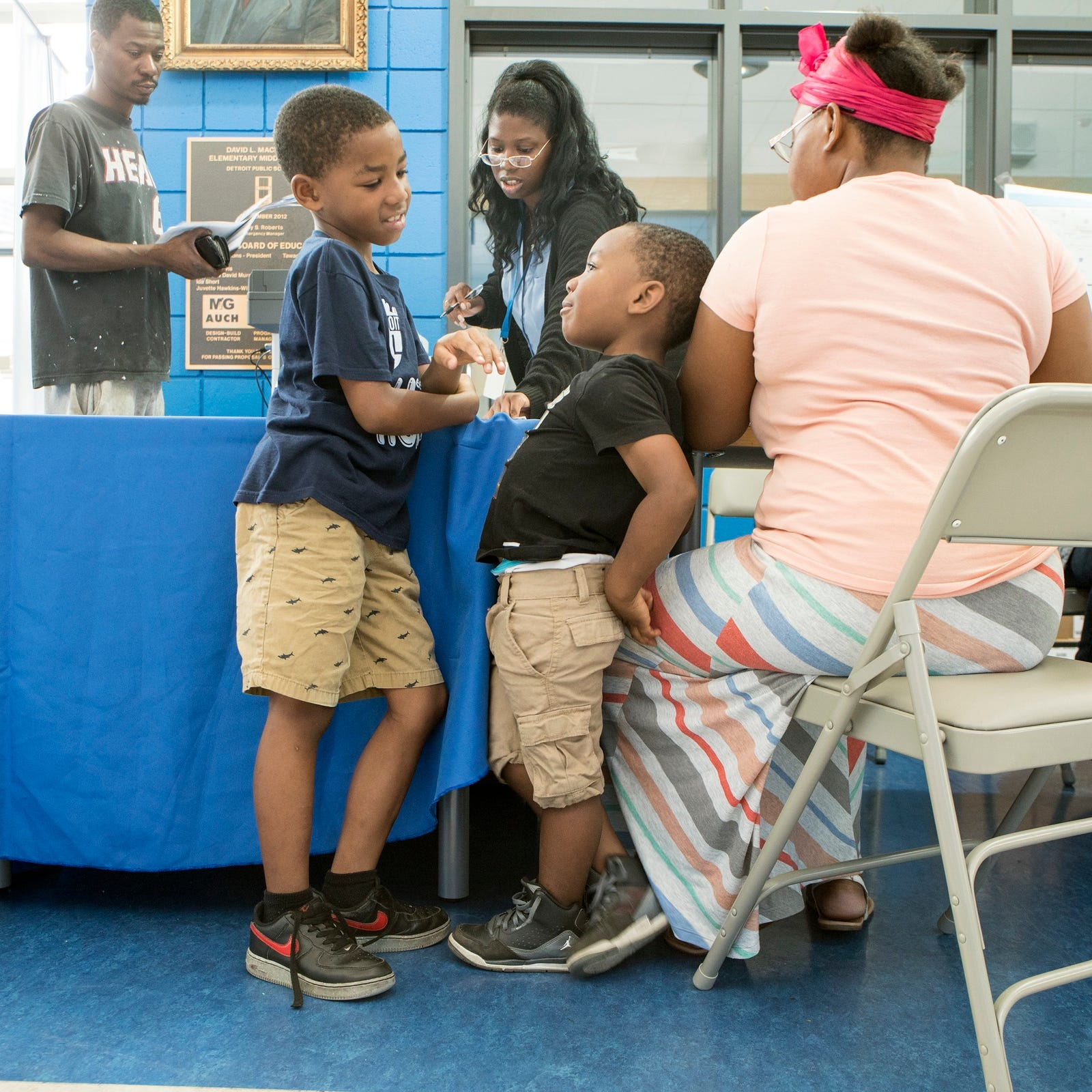 Detroit pop-up enrollment centers draw parents seeking district schools