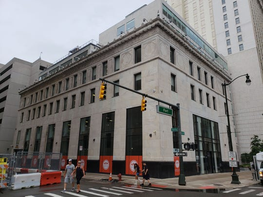 Fort Street Galley, a food hall and bar from Pittsburgh-based Galley Group, is expected to debut in the Federal Reserve Building downtown in November.