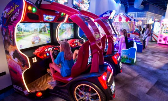 The Northern Lights Arcade is a fun place for families to hang out at Great Wolf Lodge.