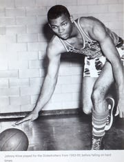 Johnny Kline played with the Harlem Globetrotters from 1953 to 1959.