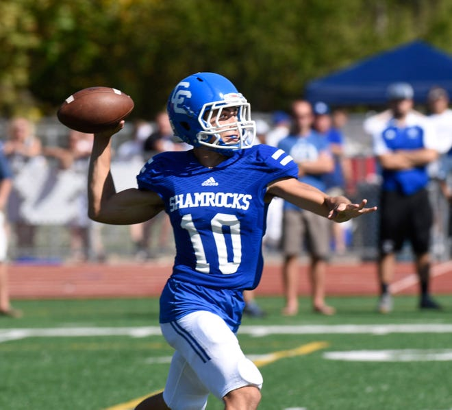 Catholic Central's Marco Genrich makes the throw in last year's Boys Bowl win over Brother Rice.