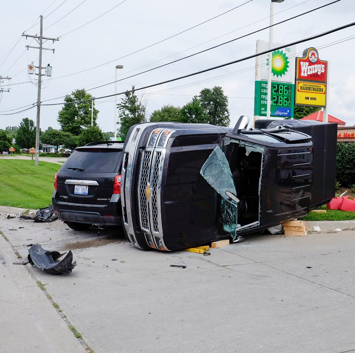 Minor injuries in Wadhams Road crash