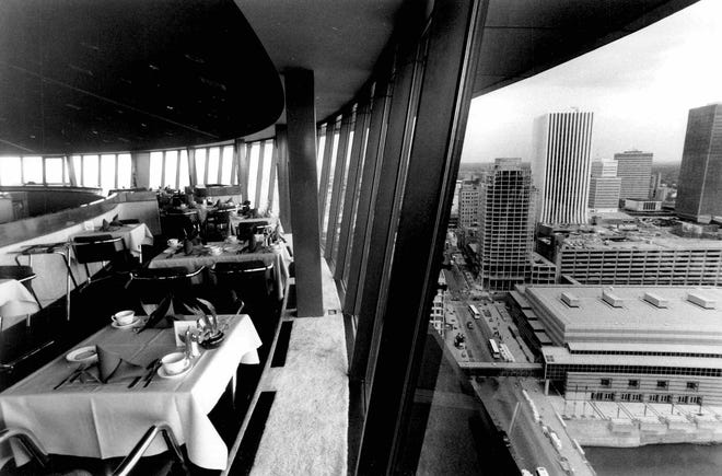 The Changing Scene restaurant offered unparalleled views of downtown Rochester and beyond.