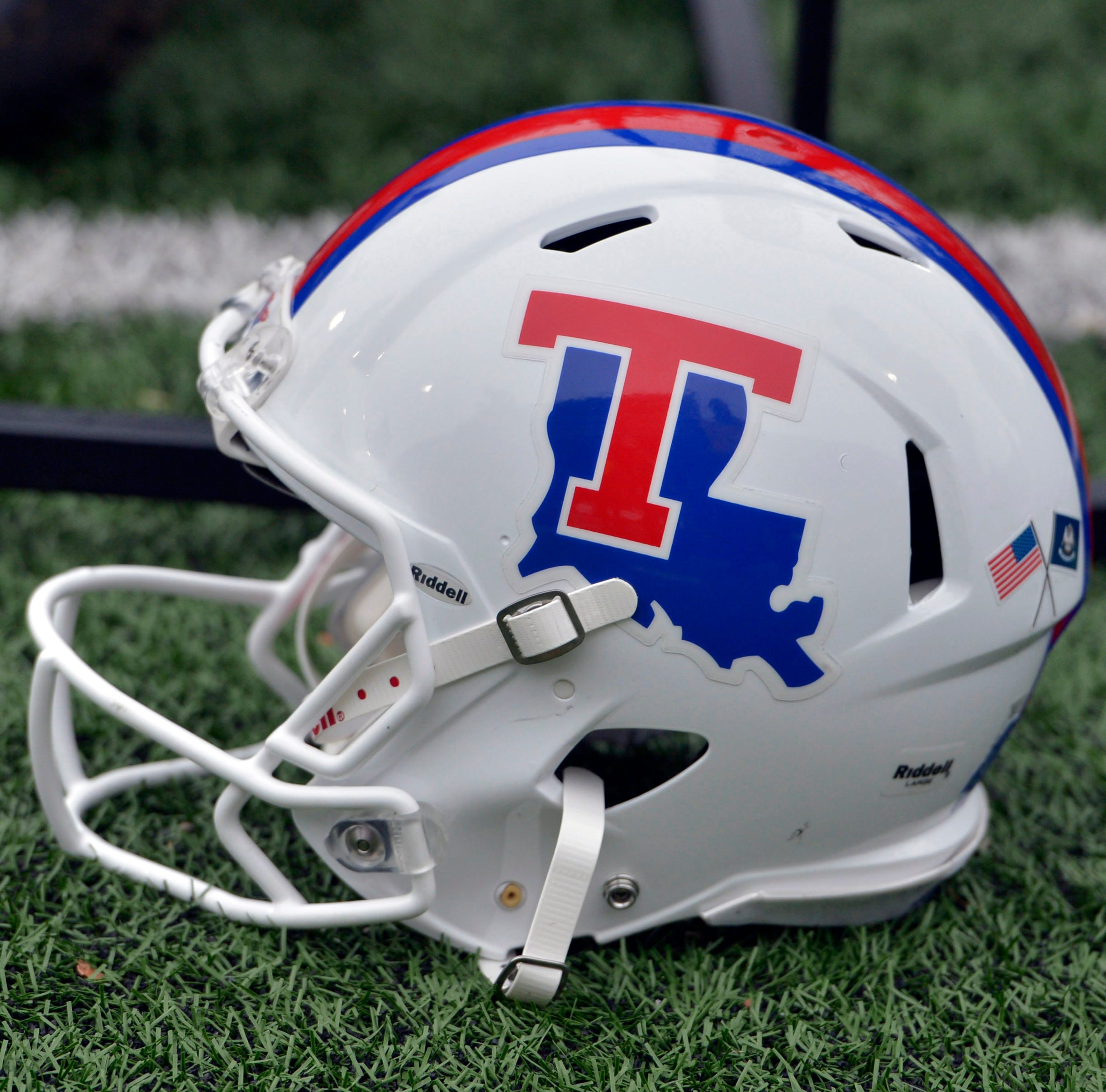 Reserve quarterback says he's transferring from Louisiana Tech