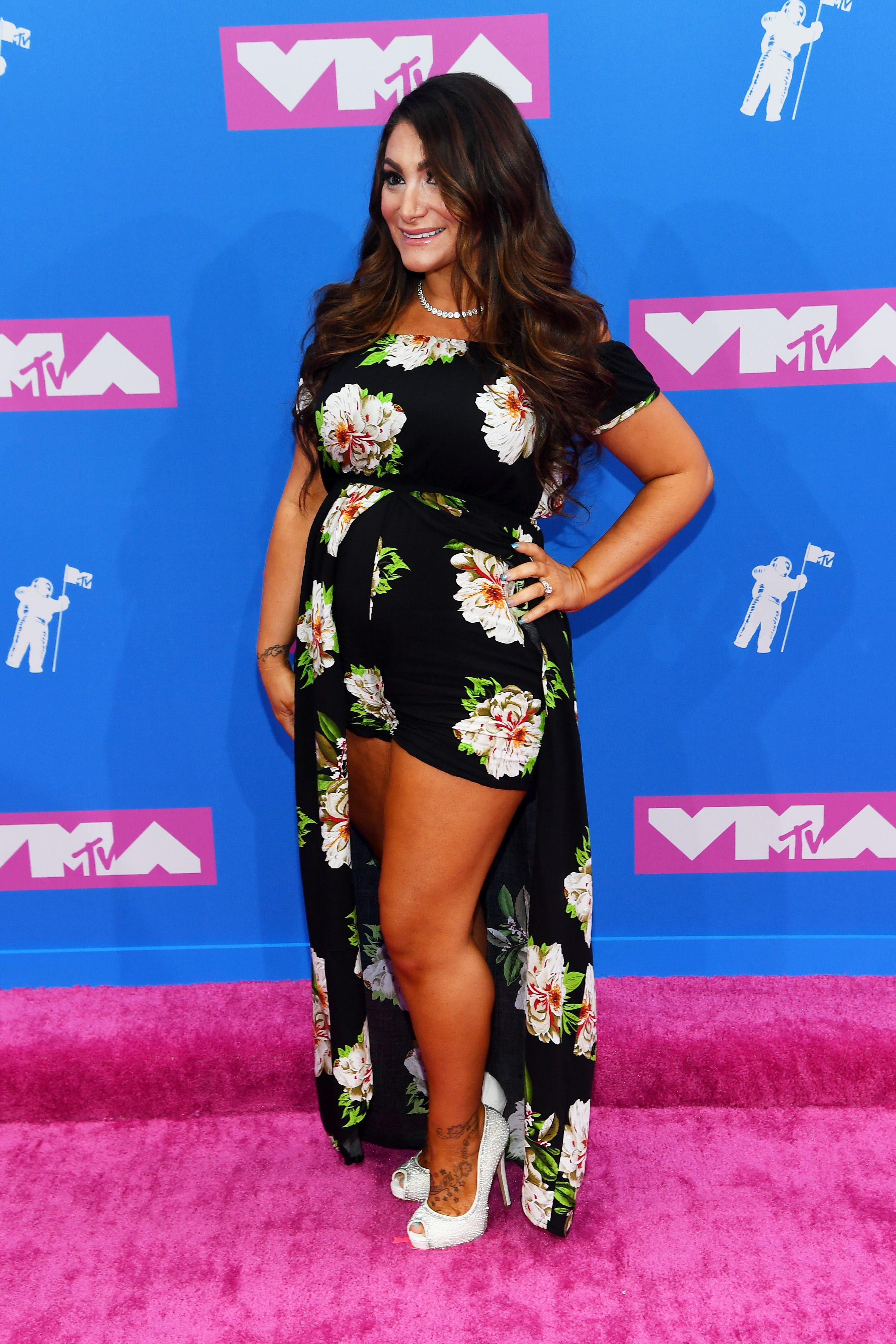 Jersey Shore's Deena Cortese mom-shamed for son's coming-home outfit