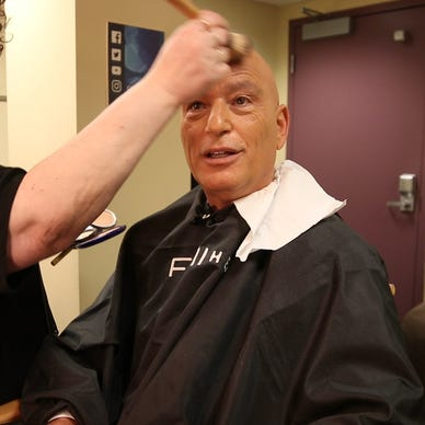 Howie Mandel explains 'AGT' 'sexiness' factor, live-show pressure from  makeup chair