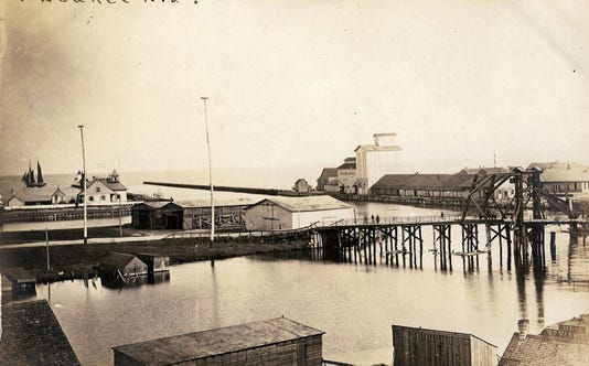 Kew 0825 Historical Photo