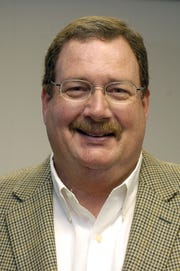 Retired Circuit Judge Stephen Simpson  appointed to hear the election challenge of former longtime Madison County Supervisor Karl Banks has removed himself from the case.