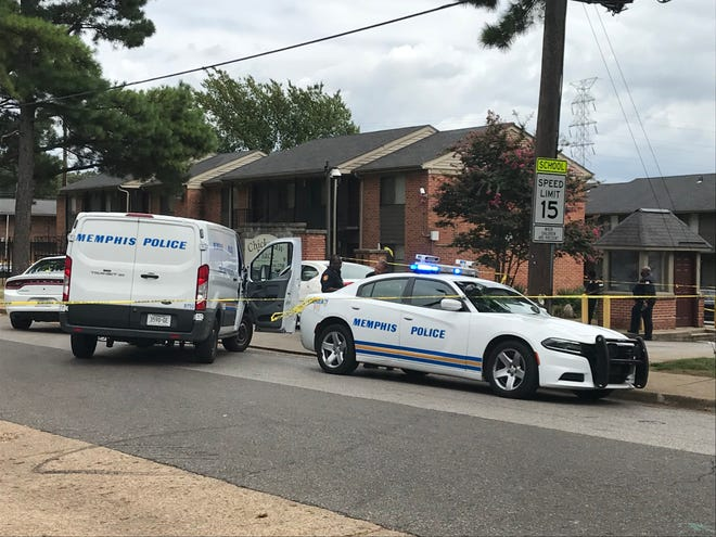 Memphis Police Department officers were on the scene of a triple shooting at a Binghampton apartment complex on Tuesday, Aug. 21, 2018.