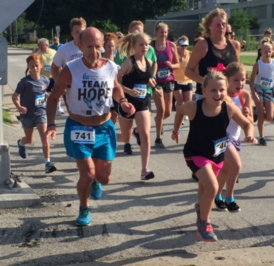 Jim Christus competes in a race.