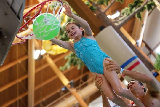 The waterpark in Timber Ridge, with its activity pools, water slides and lazy river, will be the centerpiece of your stay in Lake Geneva.
