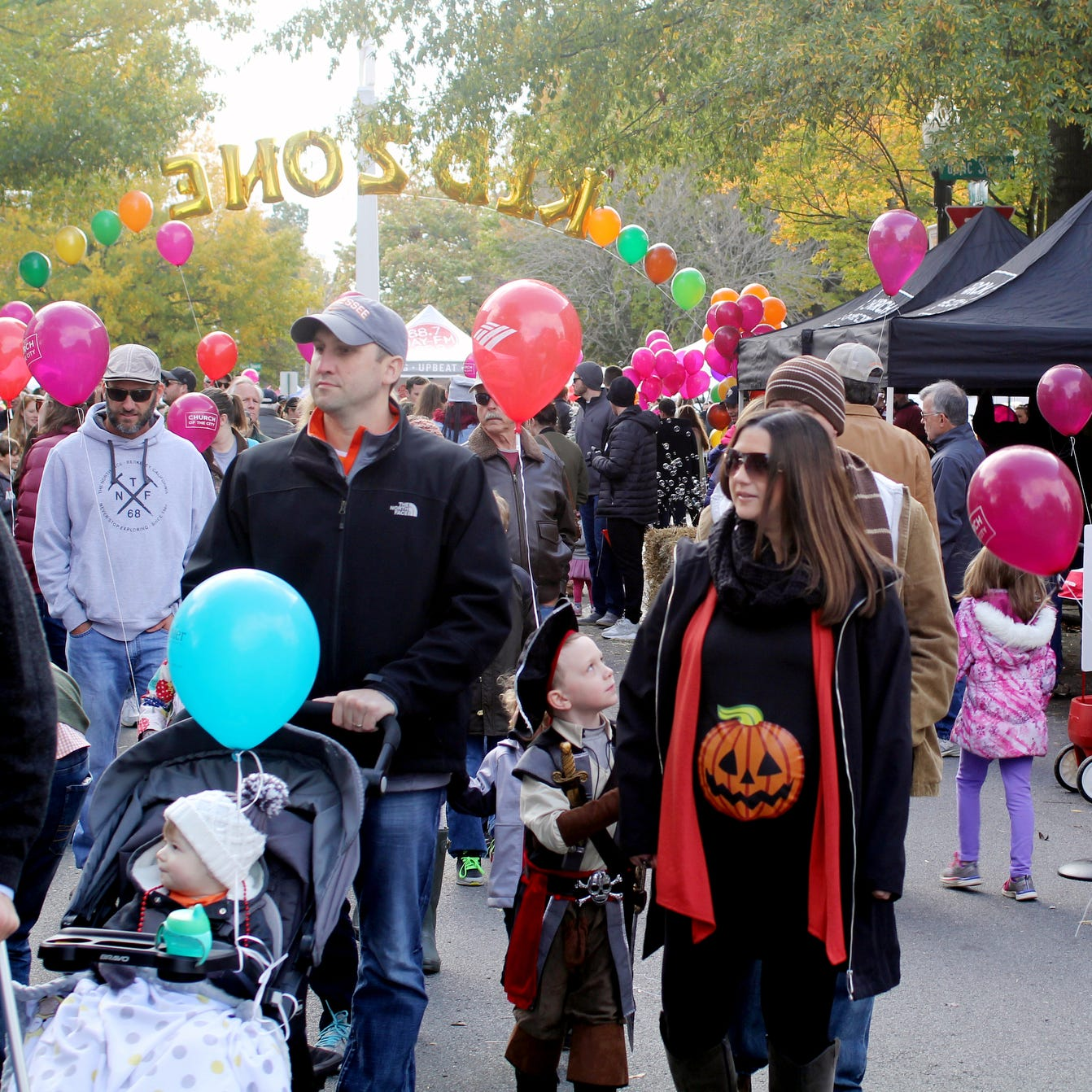 Crowd at the 2017 Pumpkinfest in Franklin.