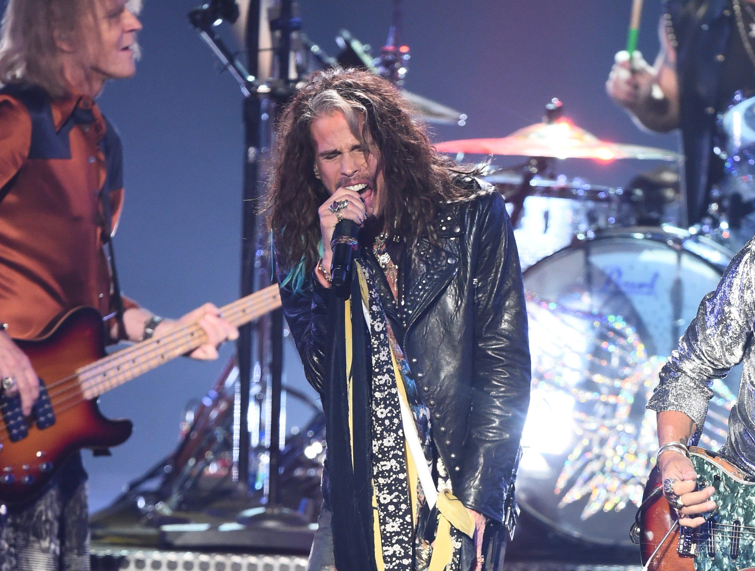 Steven Tyler de Aerosmith actúa en el escenario durante los MTV Video Music Awards 2018 en el Radio City Music Hall el 20 de agosto de 2018 en la ciudad de Nueva York.