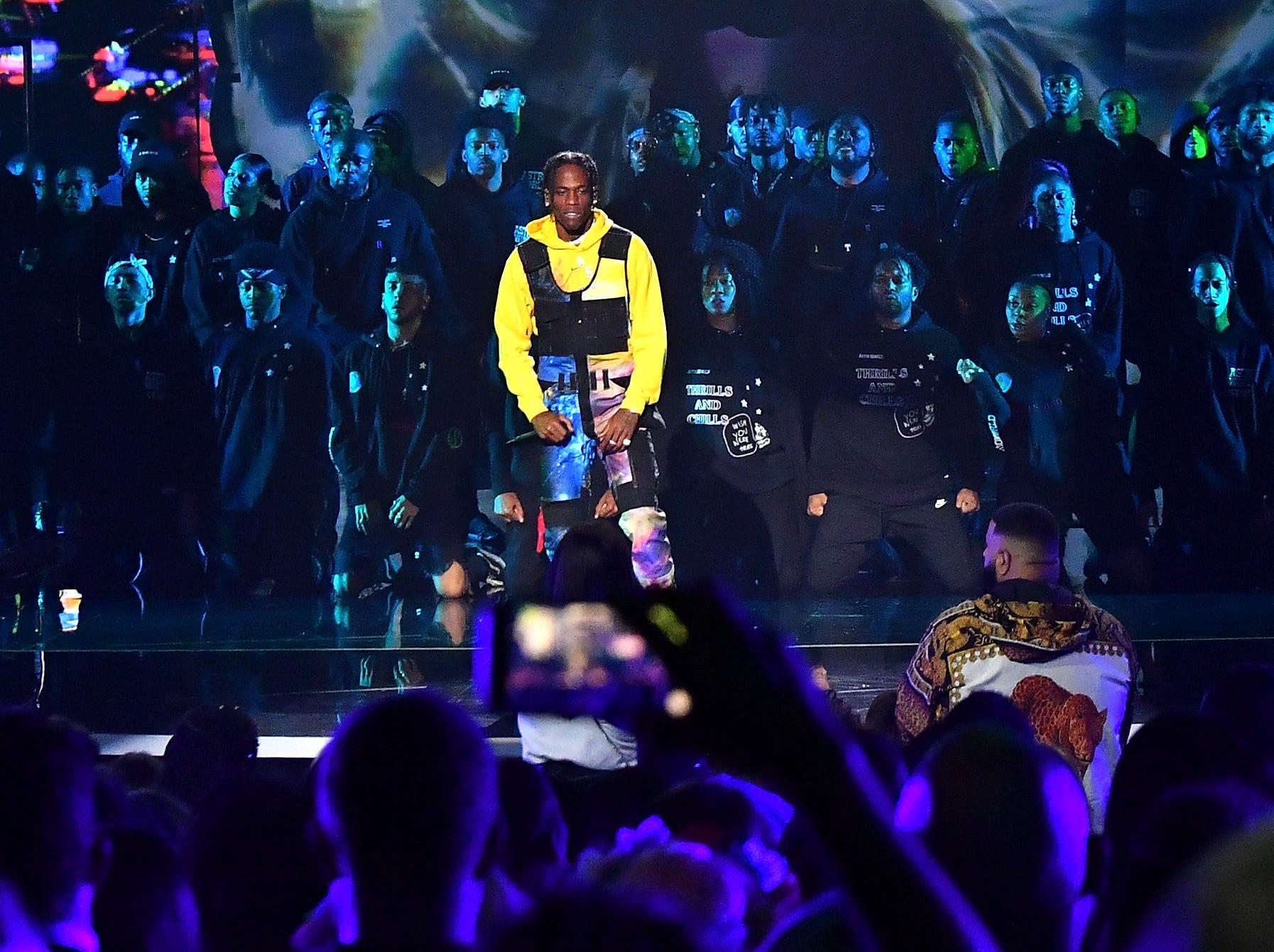Travis Scott se presenta en el escenario durante los MTV Video Music Awards 2018 en el Radio City Music Hall el 20 de agosto de 2018 en la ciudad de Nueva York.