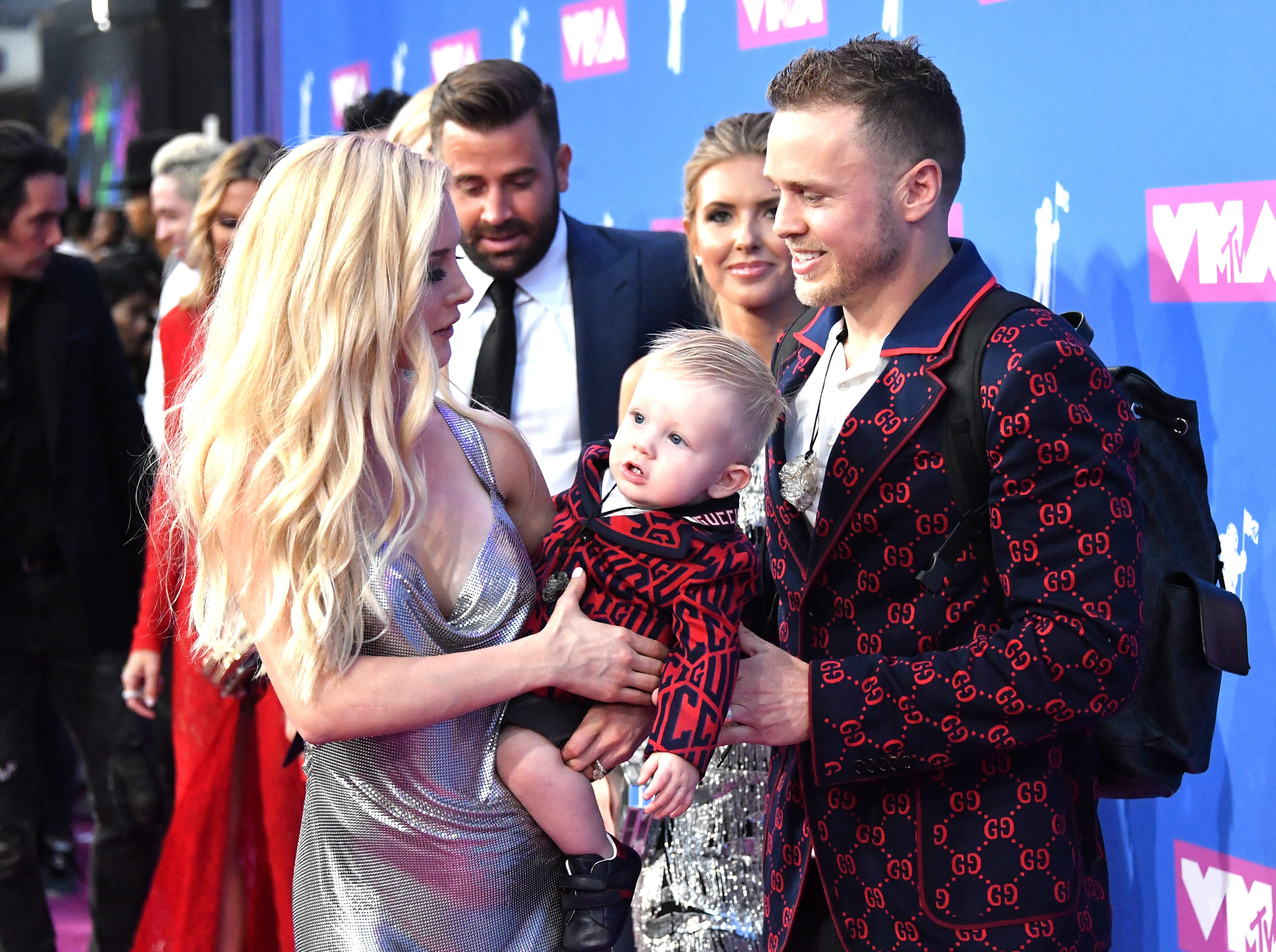 Heidi Pratt, Gunner Pratt y Spencer Pratt  (de izq a der) asisten a los MTV Video Music Awards 2018 en el Radio City Music Hall el 20 de agosto de 2018 en la ciudad de Nueva York.