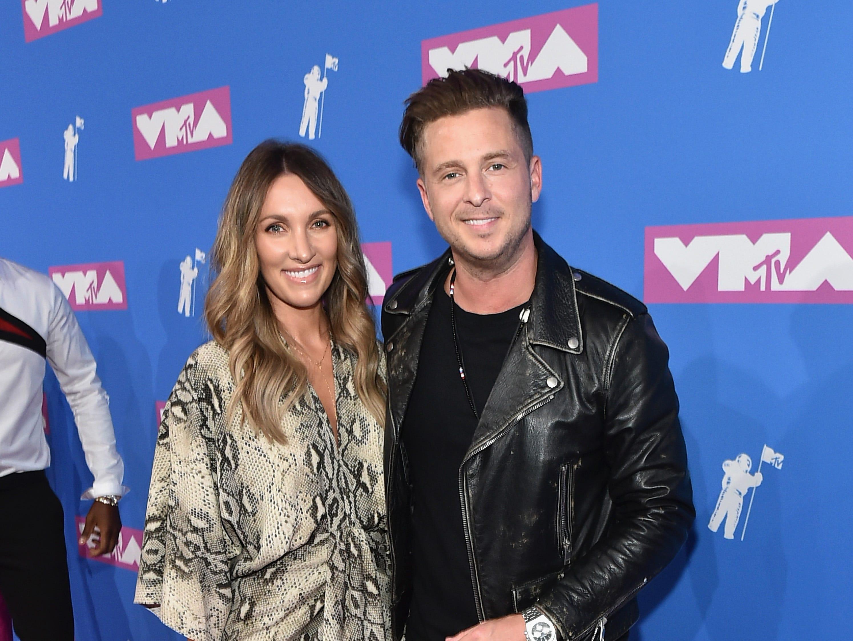 Ryan Tedder (der) asiste a los MTV Video Music Awards 2018 en el Radio City Music Hall el 20 de agosto de 2018 en la ciudad de Nueva York.