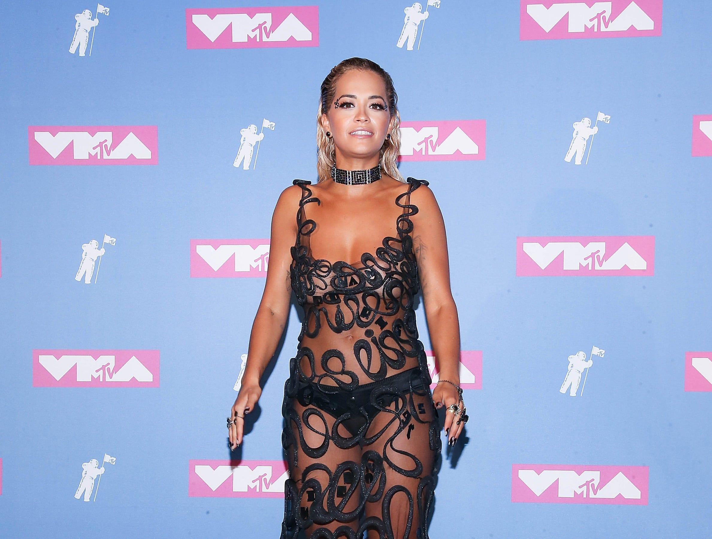 Rita Ora asiste a los MTV Video Music Awards 2018 en el Radio City Music Hall el 20 de agosto de 2018 en la ciudad de Nueva York.