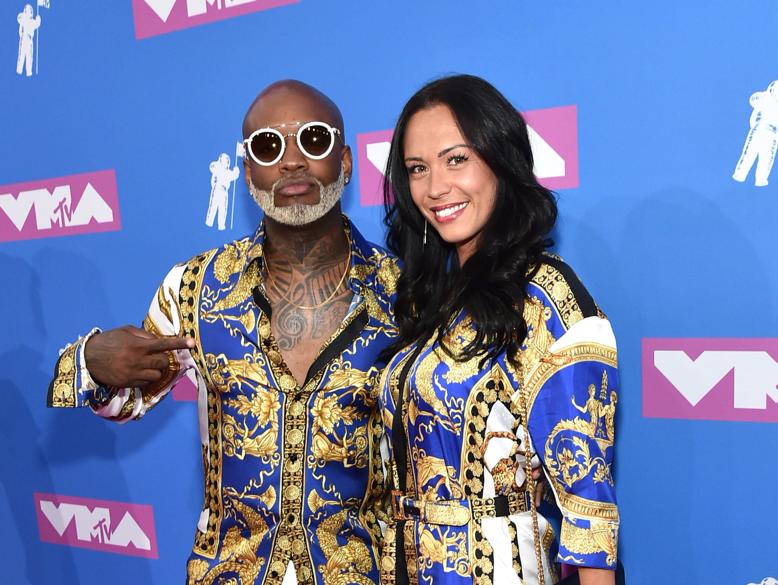 Willy William (izq)y una invitada asisten a los MTV Video Music Awards 2018 en el Radio City Music Hall el 20 de agosto de 2018 en la ciudad de Nueva York.