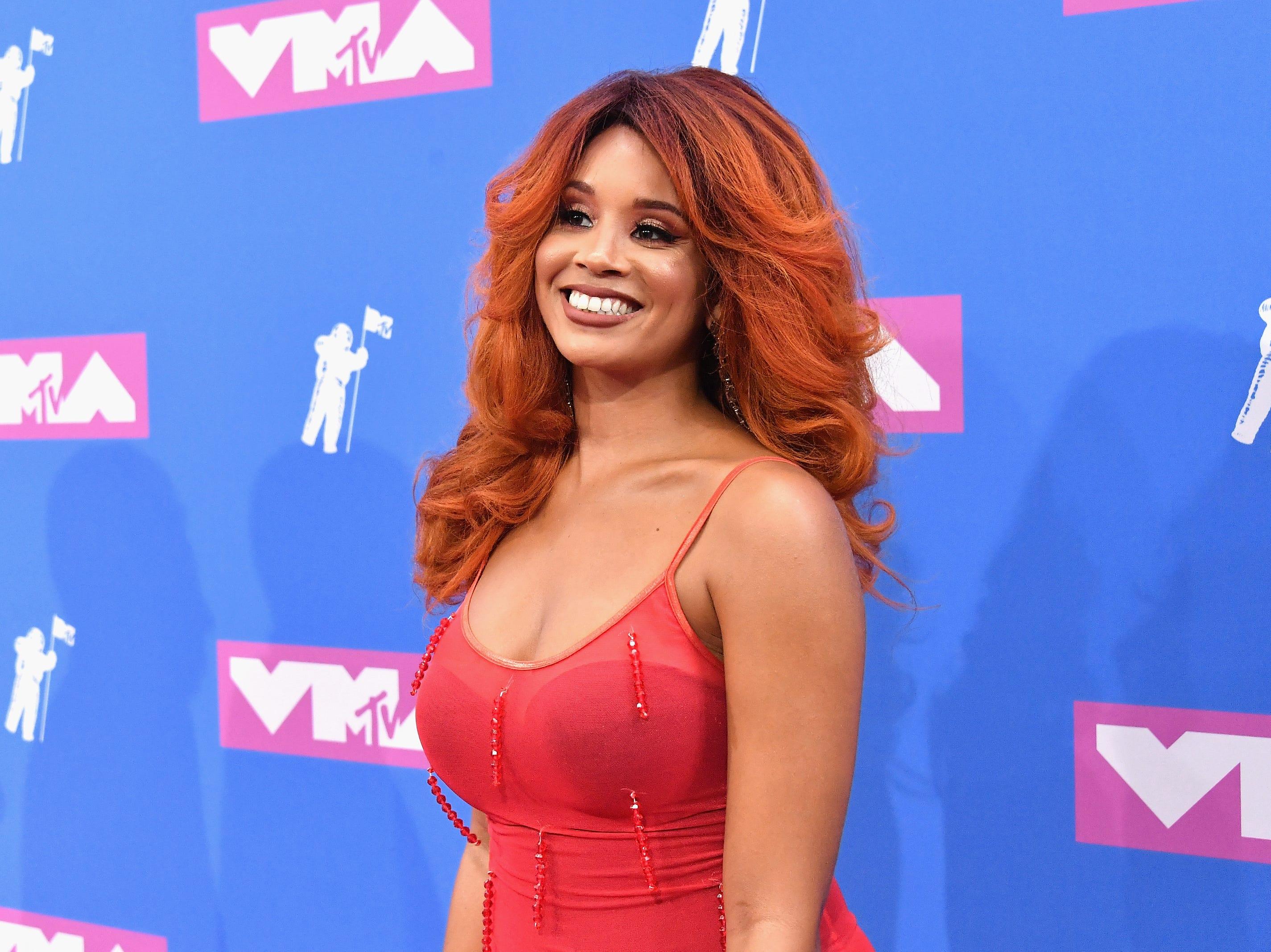 Jillian Hervey de Lion Babe asiste a los MTV Video Music Awards 2018 en el Radio City Music Hall el 20 de agosto de 2018 en la ciudad de Nueva York.