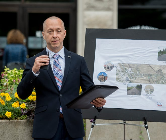 Richmond Mayor Dave Snow speaks during a media event announcing regional Stellar plans in front of the county courthouse on Tuesday, Aug. 21, 2018.