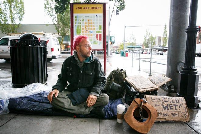 Robbie Peddycoart is homeless in downtown Salem on Sept. 20, 2017.