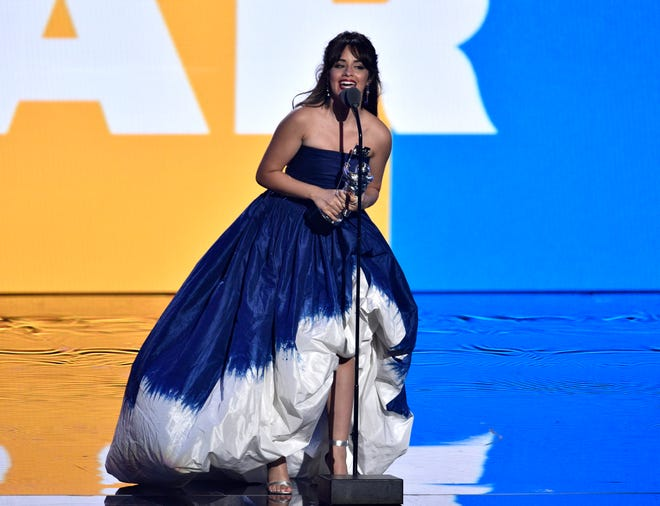 Camila Cabello accepts the award for artist of the year at the MTV Video Music Awards at Radio City Music Hall on Monday, Aug. 20, 2018, in New York. (Photo by Chris Pizzello/Invision/AP) ORG XMIT: CAPM271