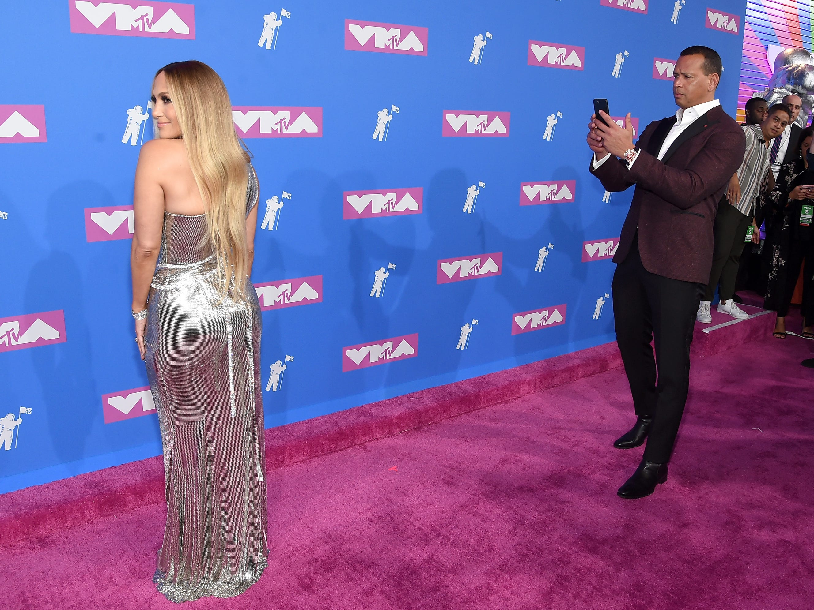 NEW YORK, NY - AUGUST 20:  Alex Rodriguez and Jennifer Lopez attend the 2018 MTV Video Music Awards at Radio City Music Hall on August 20, 2018 in New York City.  (Photo by Jamie McCarthy/Getty Images) ORG XMIT: 775210277 ORIG FILE ID: 1020303578