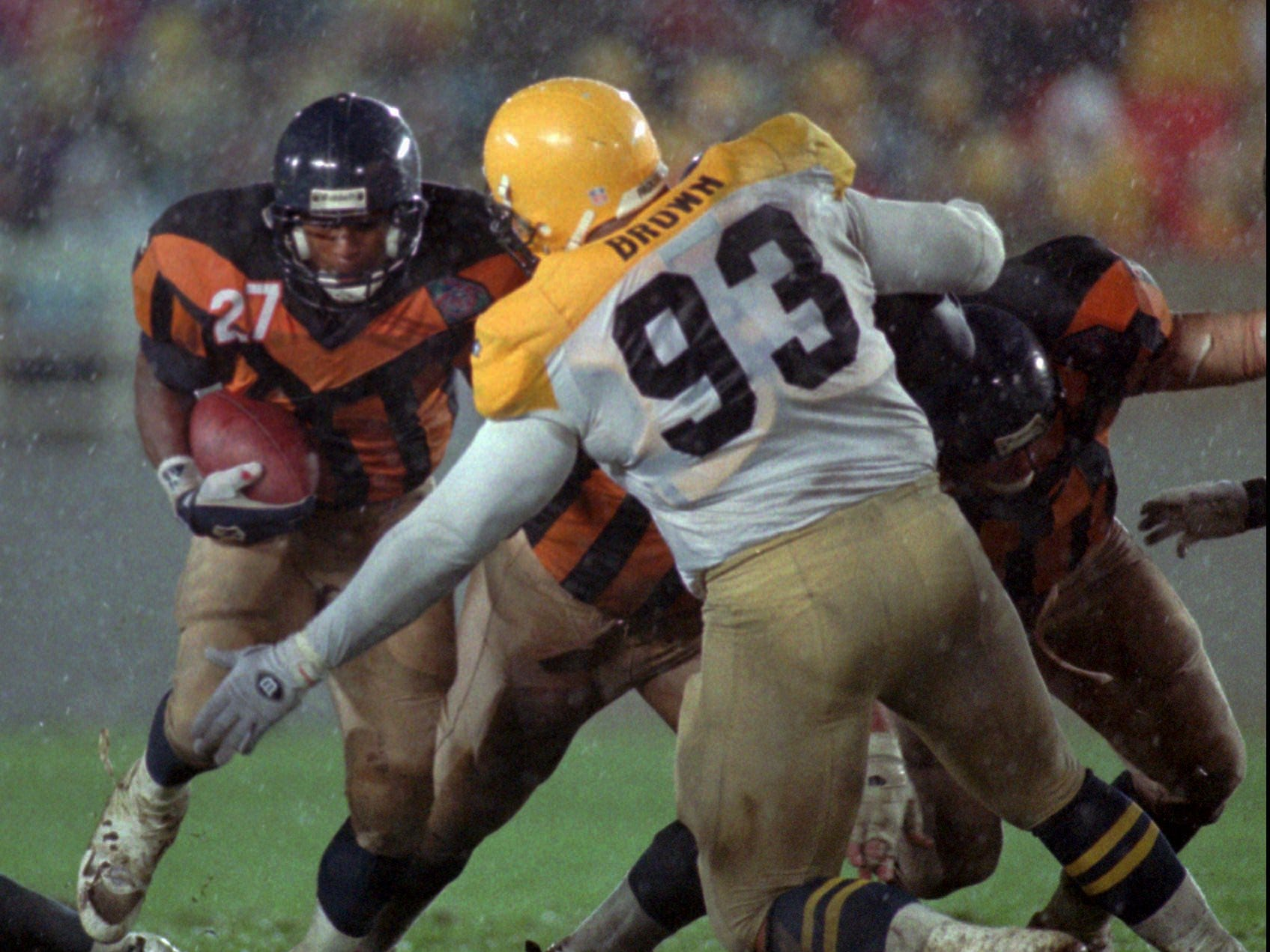 Is this 1994 Packers-Bears game the matchup of the worst throwback uniforms ever? Maybe.