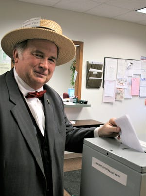 H. Brooke Paige casts a ballot at Washington Town Hall in the 2016 primary election.