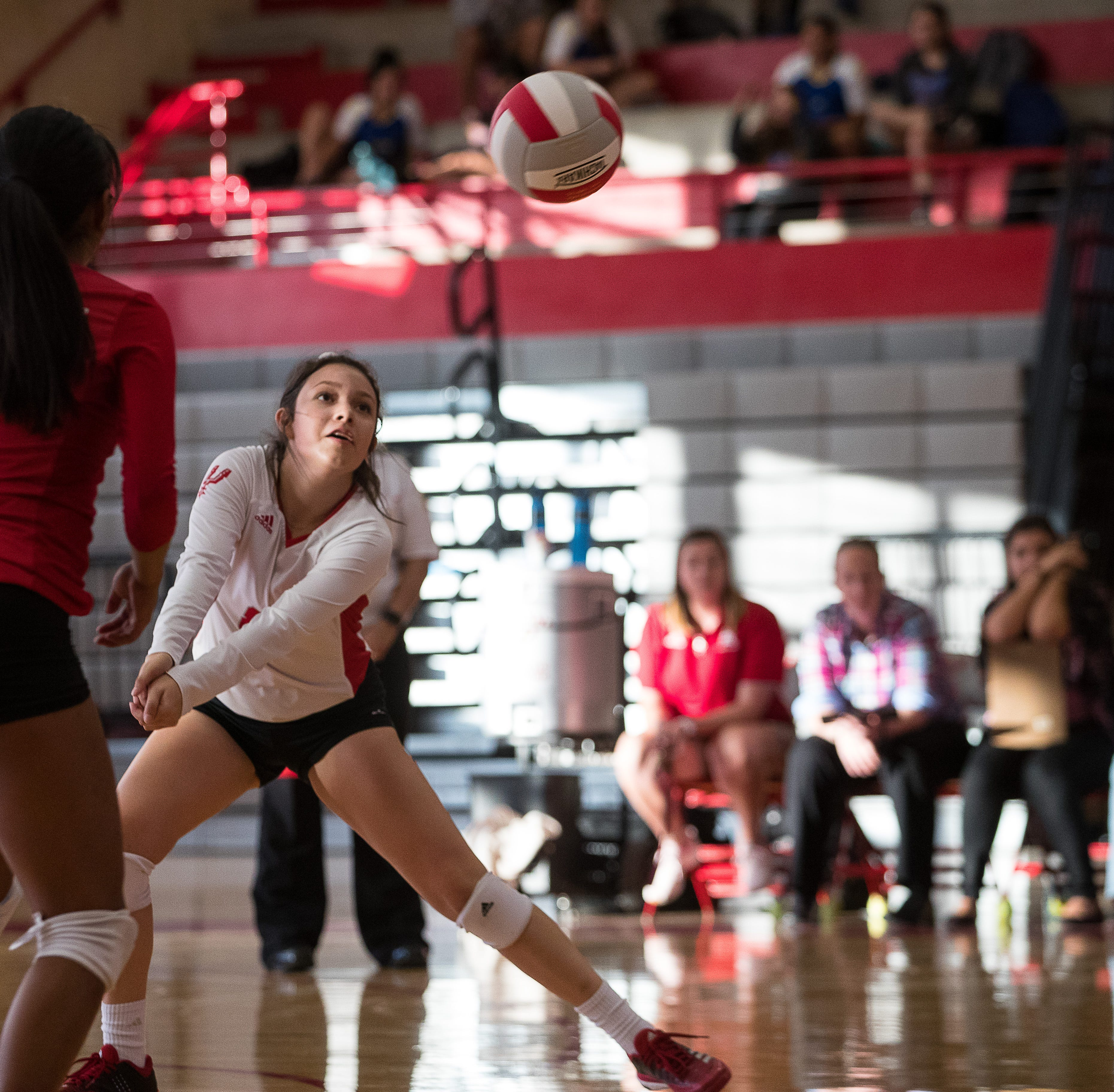 Ray Texans volleyball defeat Moody Trojans