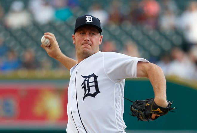 Detroit Tigers pitcher Jordan Zimmermann throws against the Chicago Cubs in the first inning of a baseball game in Detroit, Tuesday, Aug. 21, 2018.