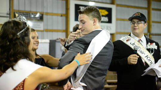Austin Michael is crowned 2018 Sandusky County Junior Fair king.