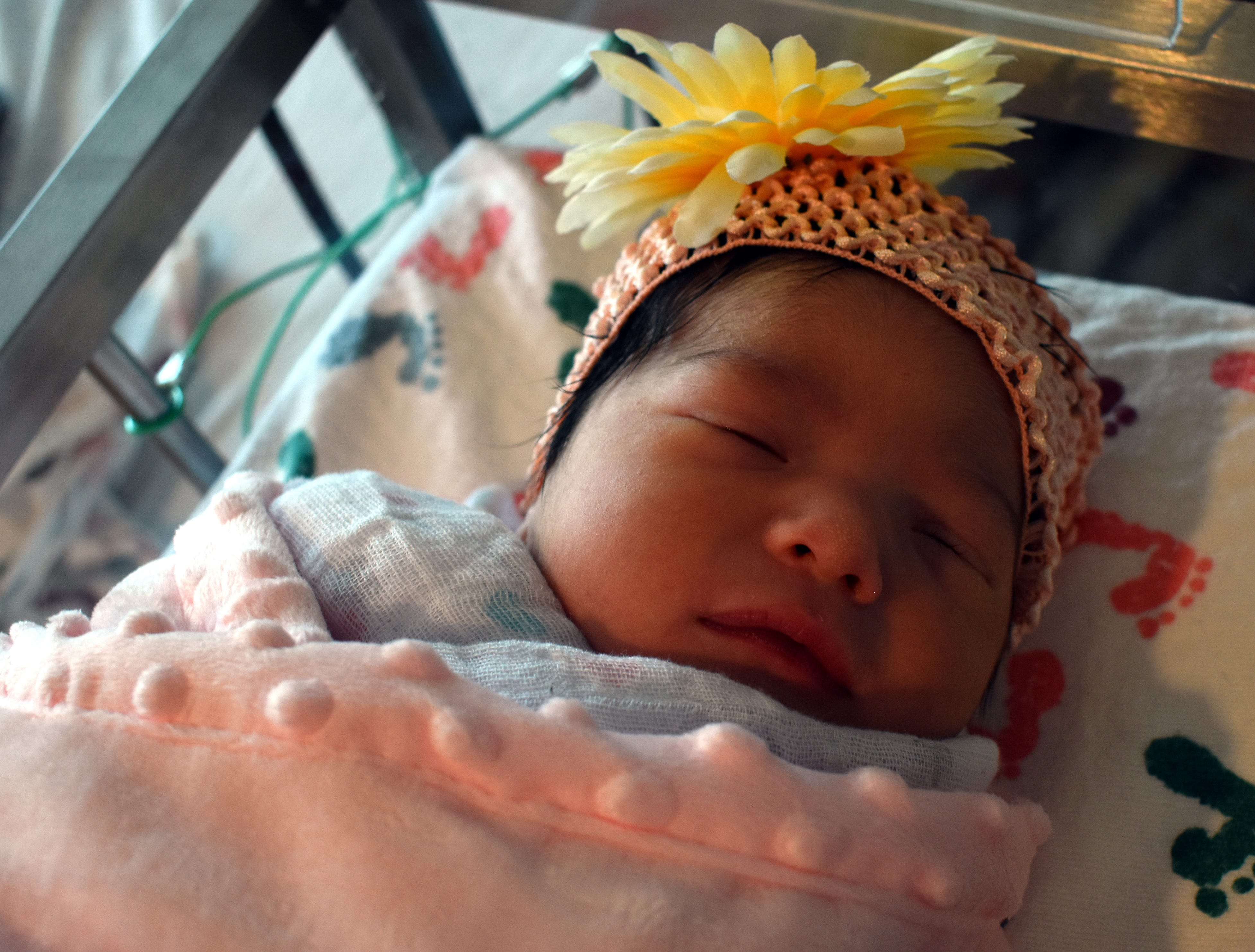 Baby born at Colorado hospital makes a perfectly timed entrance into the world