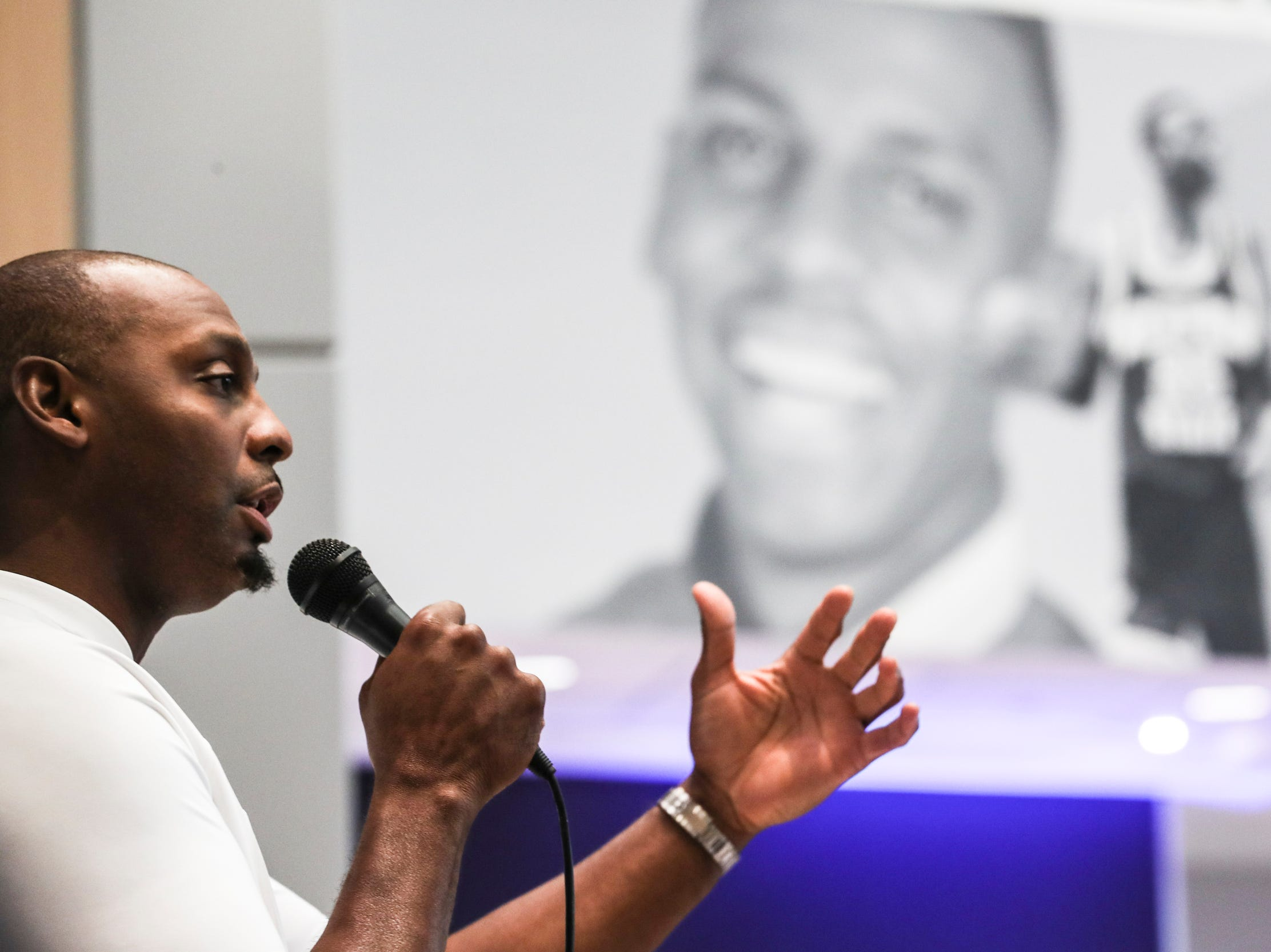 August 21 2018 - Penny Hardaway speaks during the Memphis Rebounders annual preseason banquet at the Laurie-Walton Family Basketball Center.