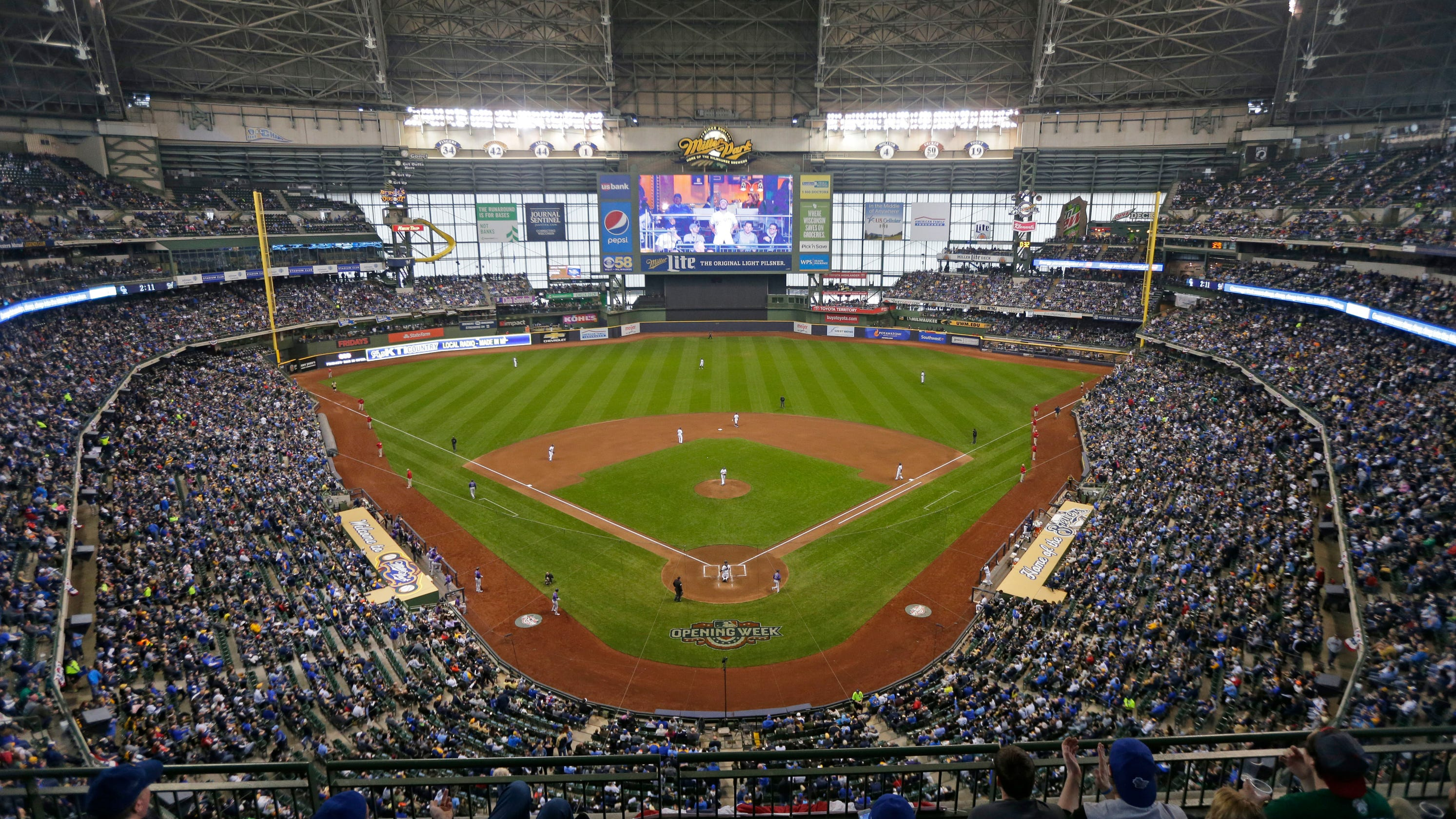 Milwaukee Brewers release 2019 season schedule