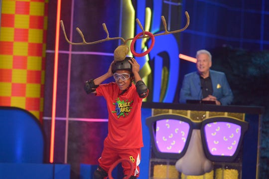 Double Dare, Episode 117 - Pictured: Liza Koshy, Marc Summers and Contestants in DOUBLE DARE on NICKELODEON. Photo: Lisa Rose/Nickelodeon. ©2018 Viacom, International, Inc. All Rights Reserved.