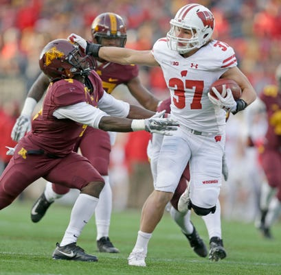 Ncaa Football Wisconsin Badgers At Minnesota Golden Gophers