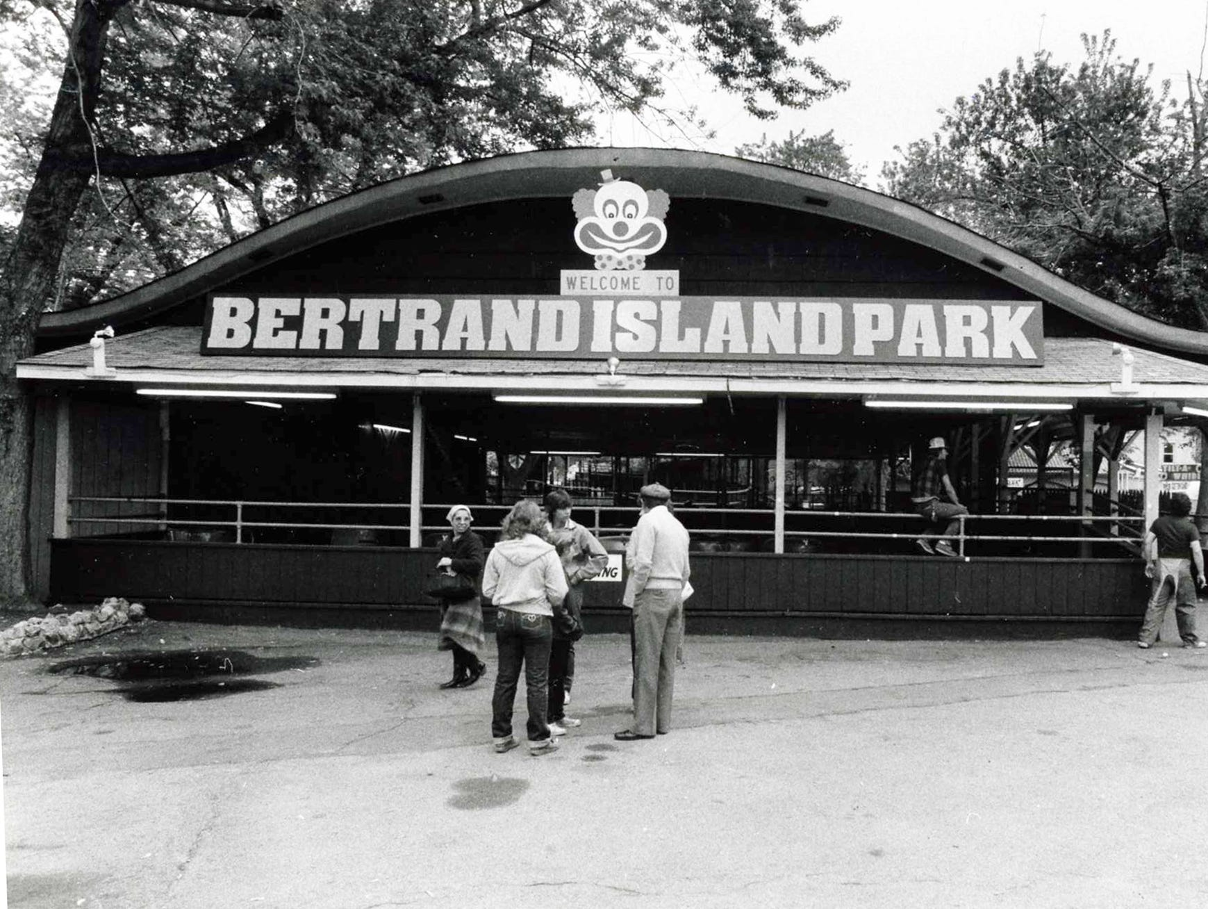 Betrand Island Amusement Park - Lake Hopatcong 5/22/82 Front entrance to the park.