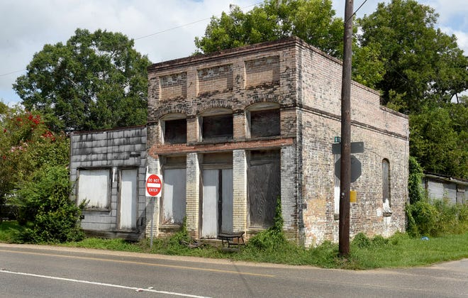 Does anyone know the history of this 1920's era bank located in Lawtell, La. Legend has it that it was one of the last banks robbed by the infamous Bonnie and Clyde before they met their untimely death in a North Louisiana ambush.