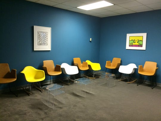 Groups Recover Together uses the same paint colors, furniture and artwork at all of its locations.