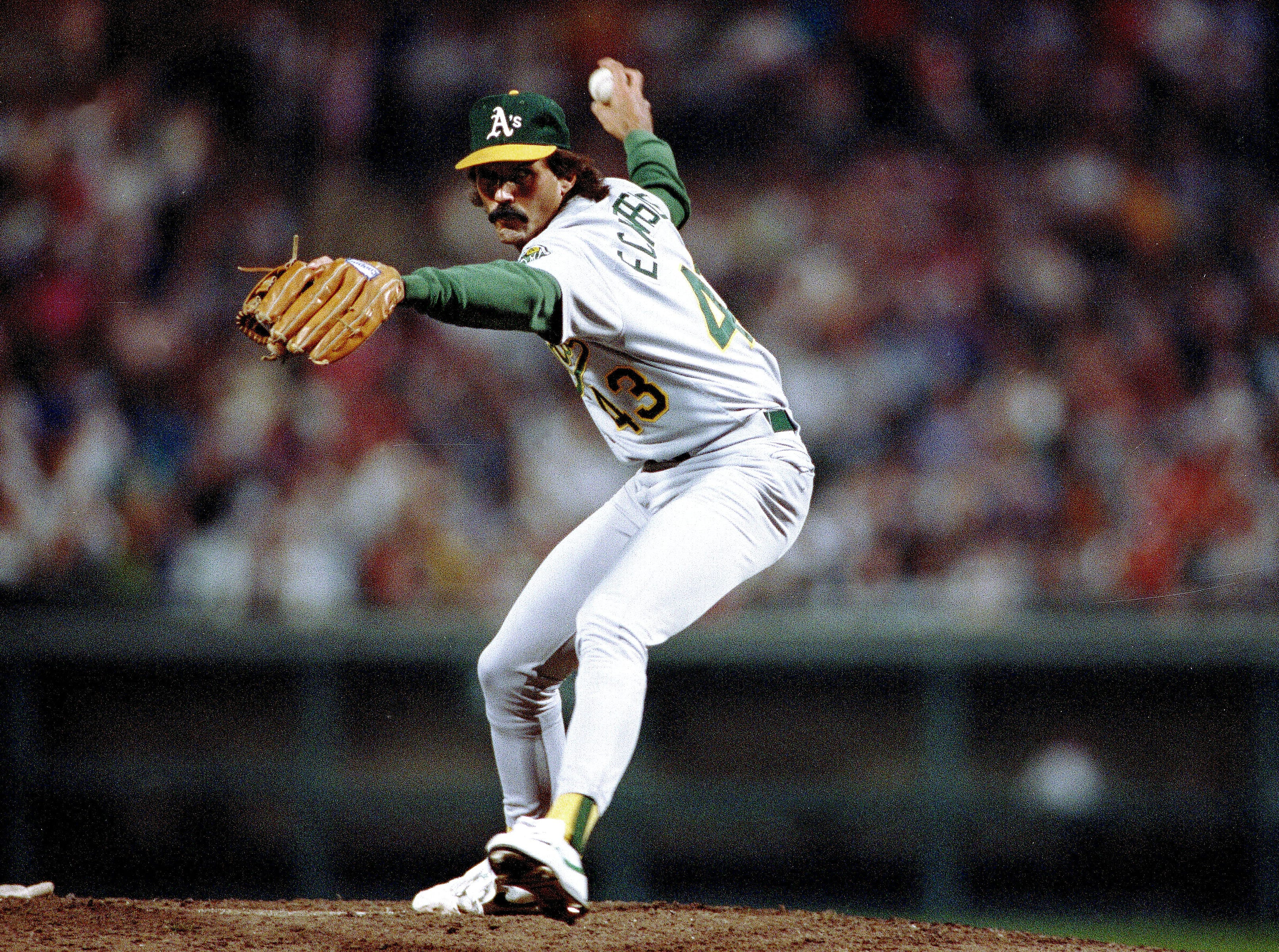 51 – Dennis Eckersley, Athletics, 1992