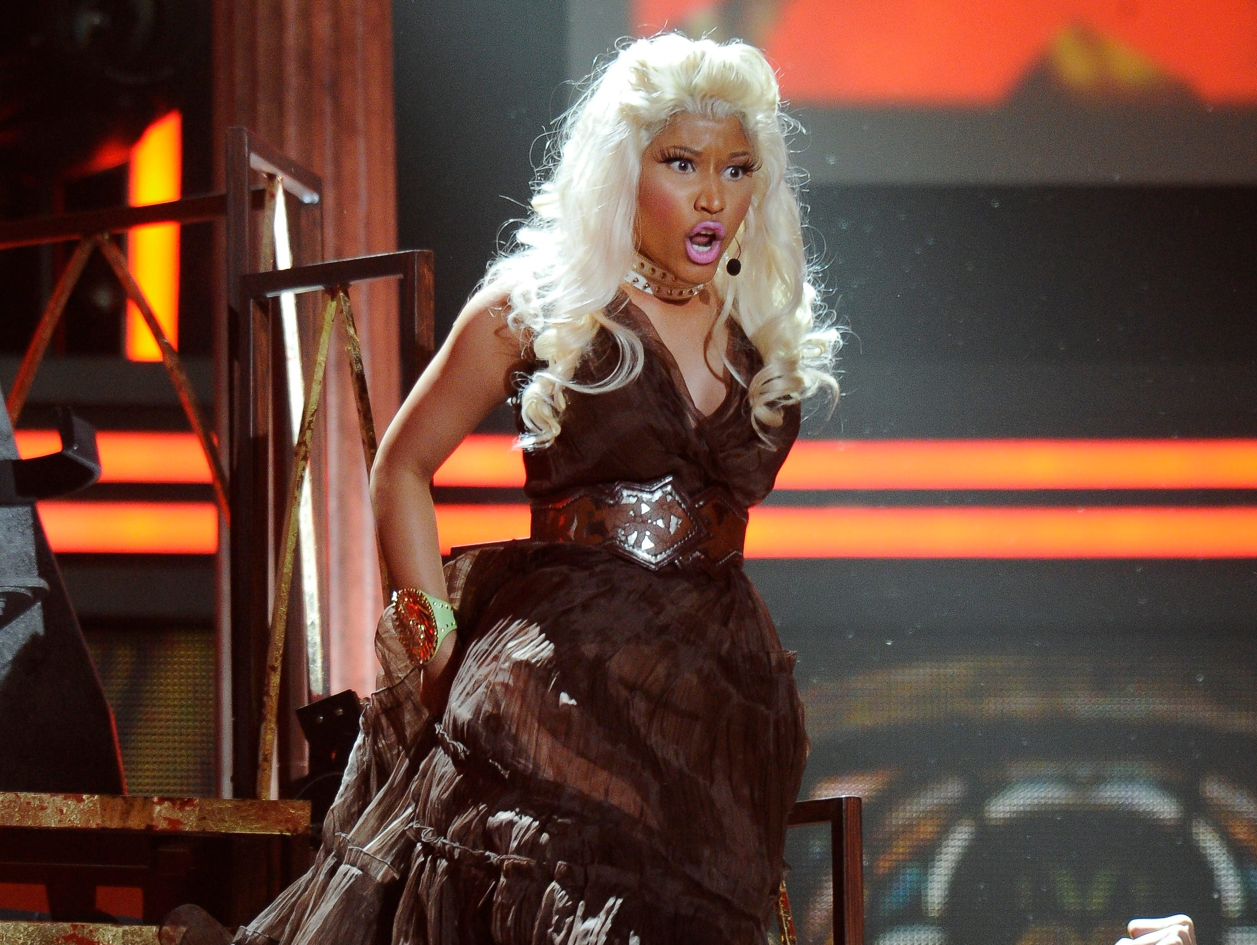 "ORG XMIT: RH 41463 2012 GRAMMYS 2/10/2012  2/12/12 11:08:21 PM --- GRAMMY AWARDS --- Los Angeles, CA: Nicki Minaj performs ""Roman Holiday"" during the Grammy Awards at Staples Center. Photo by Robert Hanashiro, USA TODAY Staff  [Via MerlinFTP Drop]"