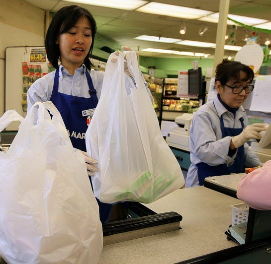 Kroger, America's largest supermarket chain, bids farewell to the plastic shopping bag