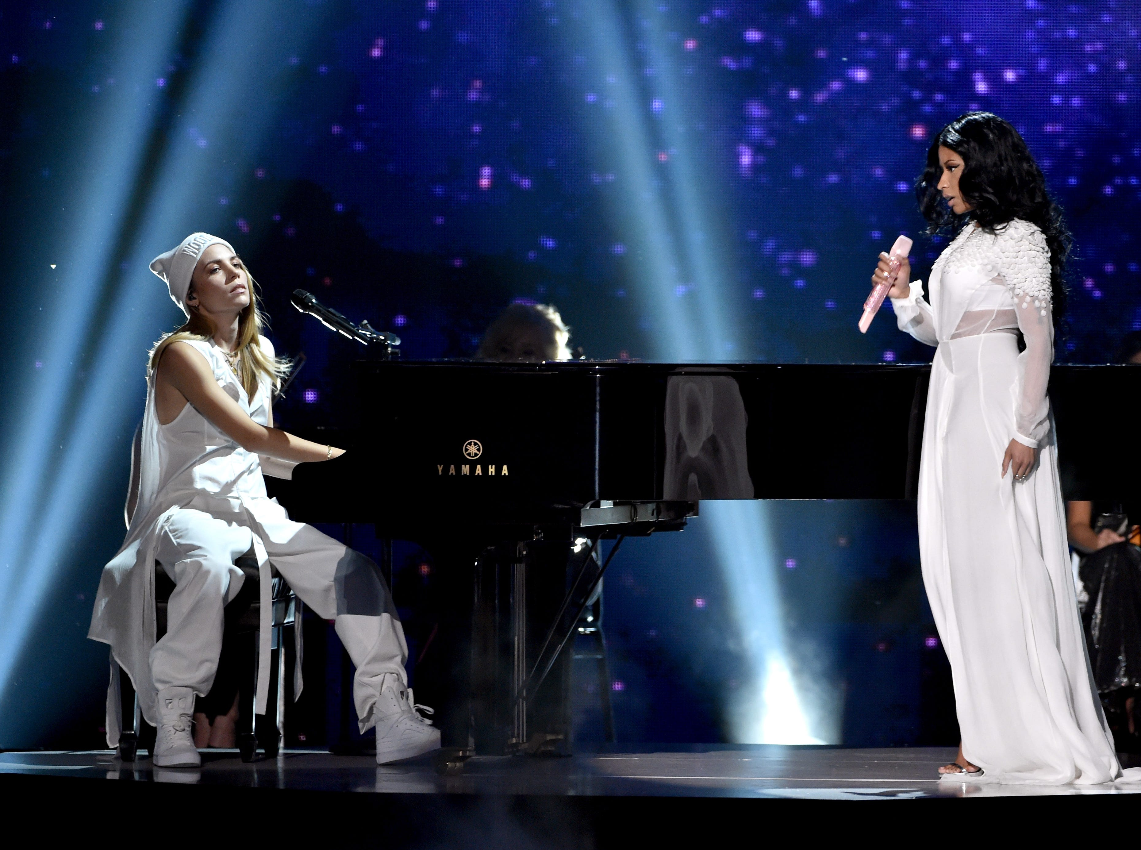 LOS ANGELES, CA - NOVEMBER 23:  Recording artists Skylar Grey (L) and Nicki Minaj perform onstage at the 2014 American Music Awards at Nokia Theatre L.A. Live on November 23, 2014 in Los Angeles, California.  (Photo by Kevin Winter/Getty Images) ORG XMIT: 522503943 ORIG FILE ID: 459486844