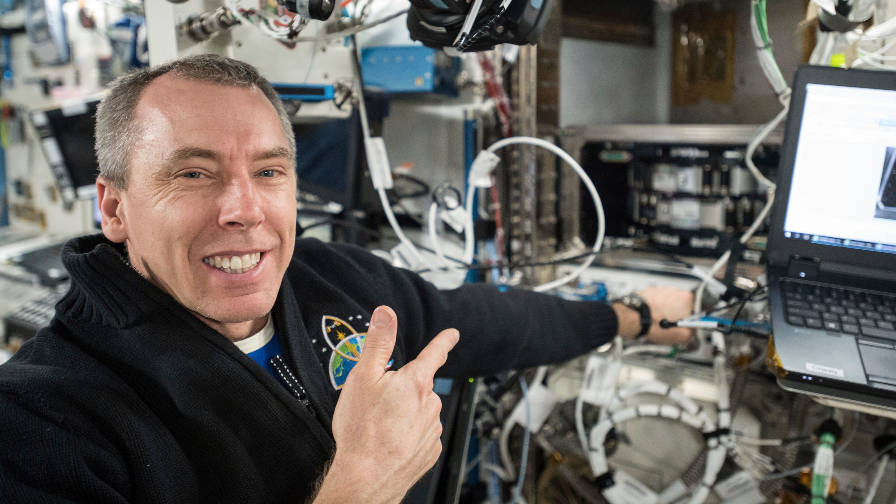 astronauts in space right now - photo #40