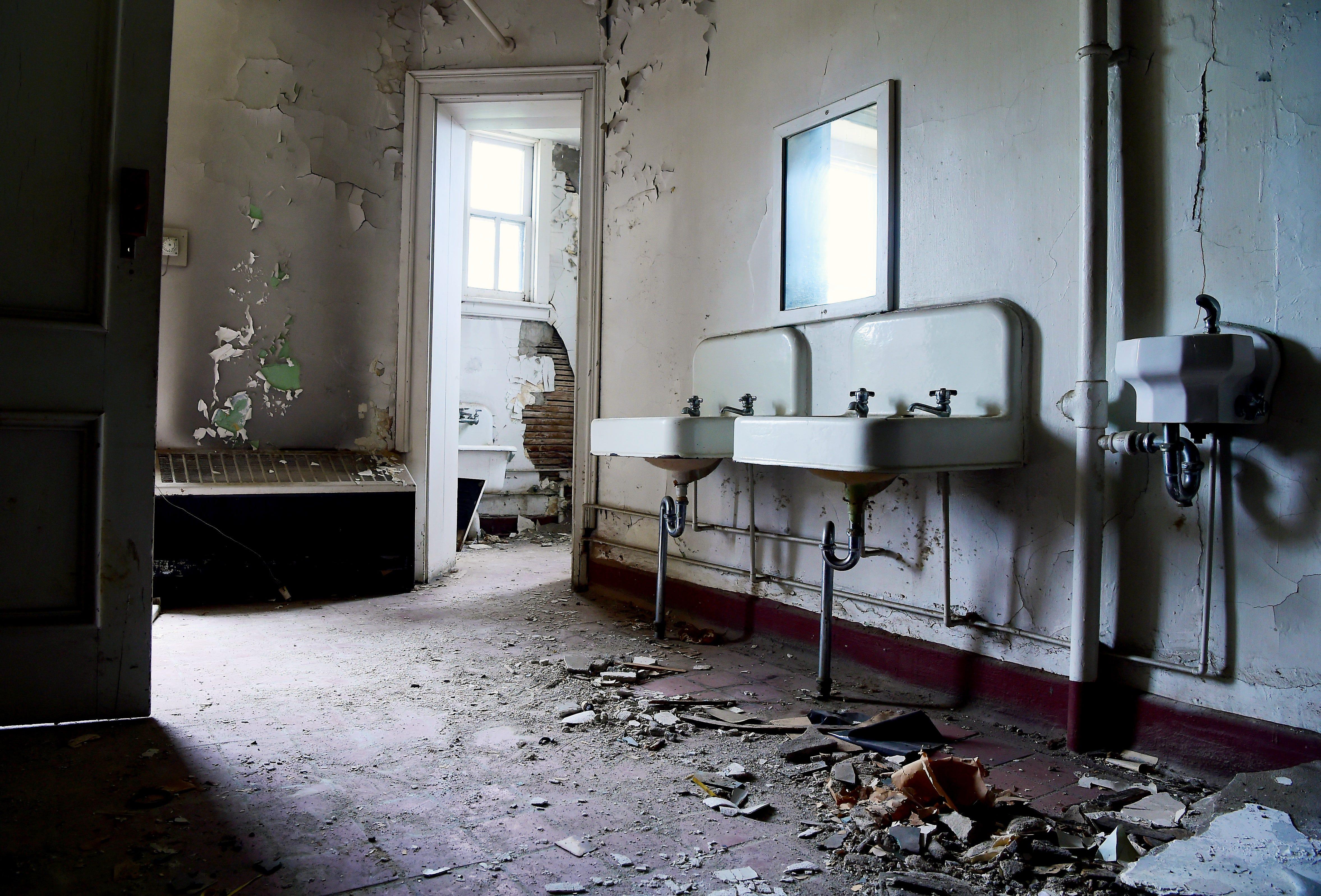 Abandoned New York Inside Binghamton S Castle Ny State Asylum