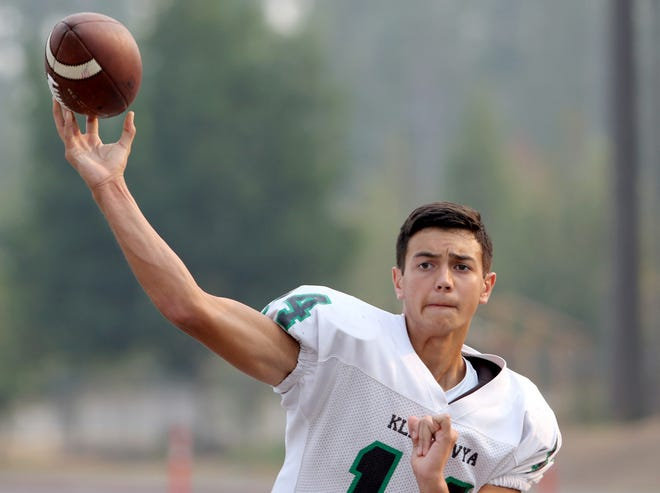 Klahowya's John Hartford threw for three touchdowns during a 48-16 win over Kingston in week one.