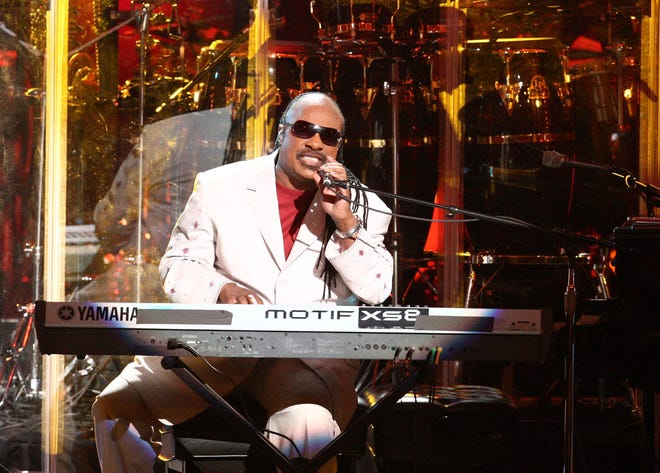Stevie Wonder will sing at Aretha Franklin's funeral Aug. 31 in Detroit.