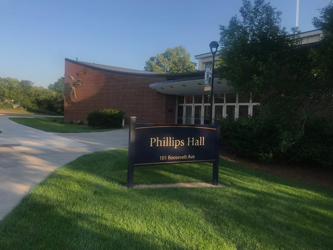A new science building to replace UW-Eau Claire's current Phillips Hall recently vaulted up the Board of Regents priority list in the capital budget.